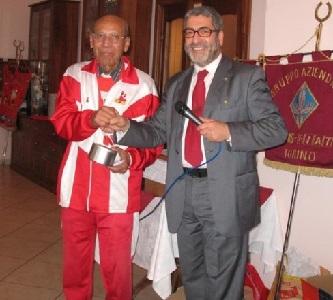 A destra, il Presidente dell'Avis Borgaro Salvatore Mendolicchio