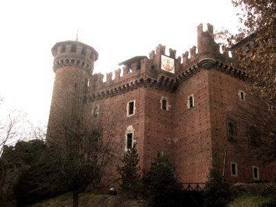 torino-parco_del_valentino-rocca_medioevale-2