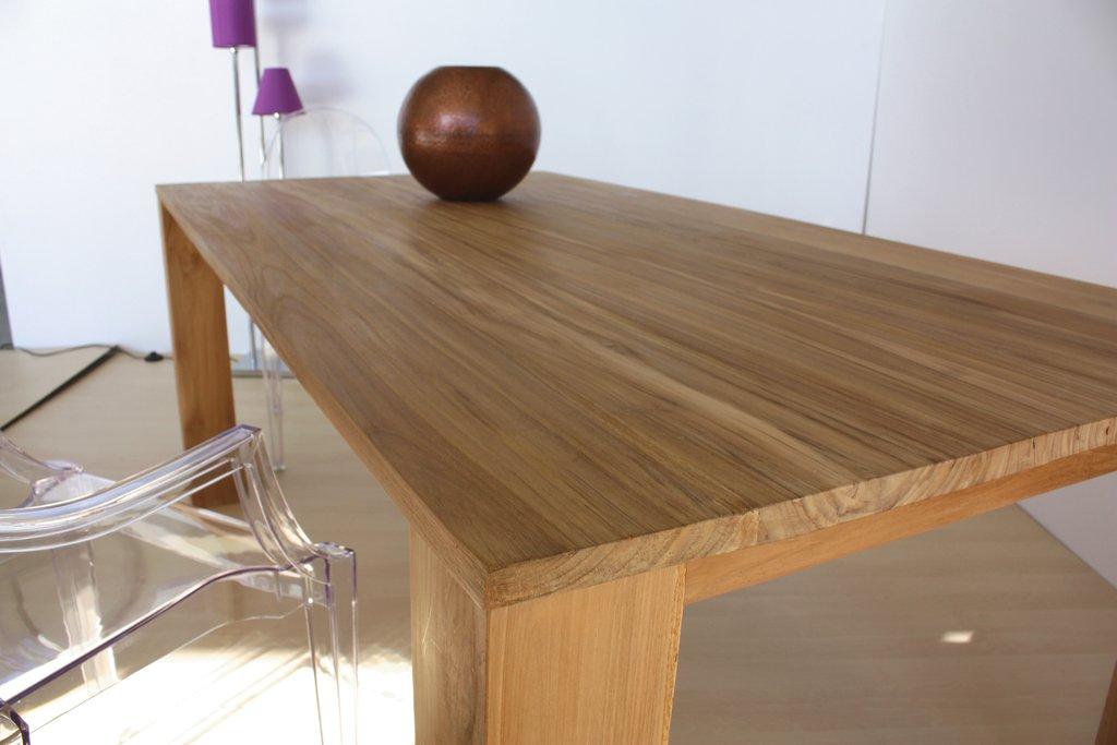 Il tavolo in massello diventa un arredo di design for Tavoli in legno allungabili massello